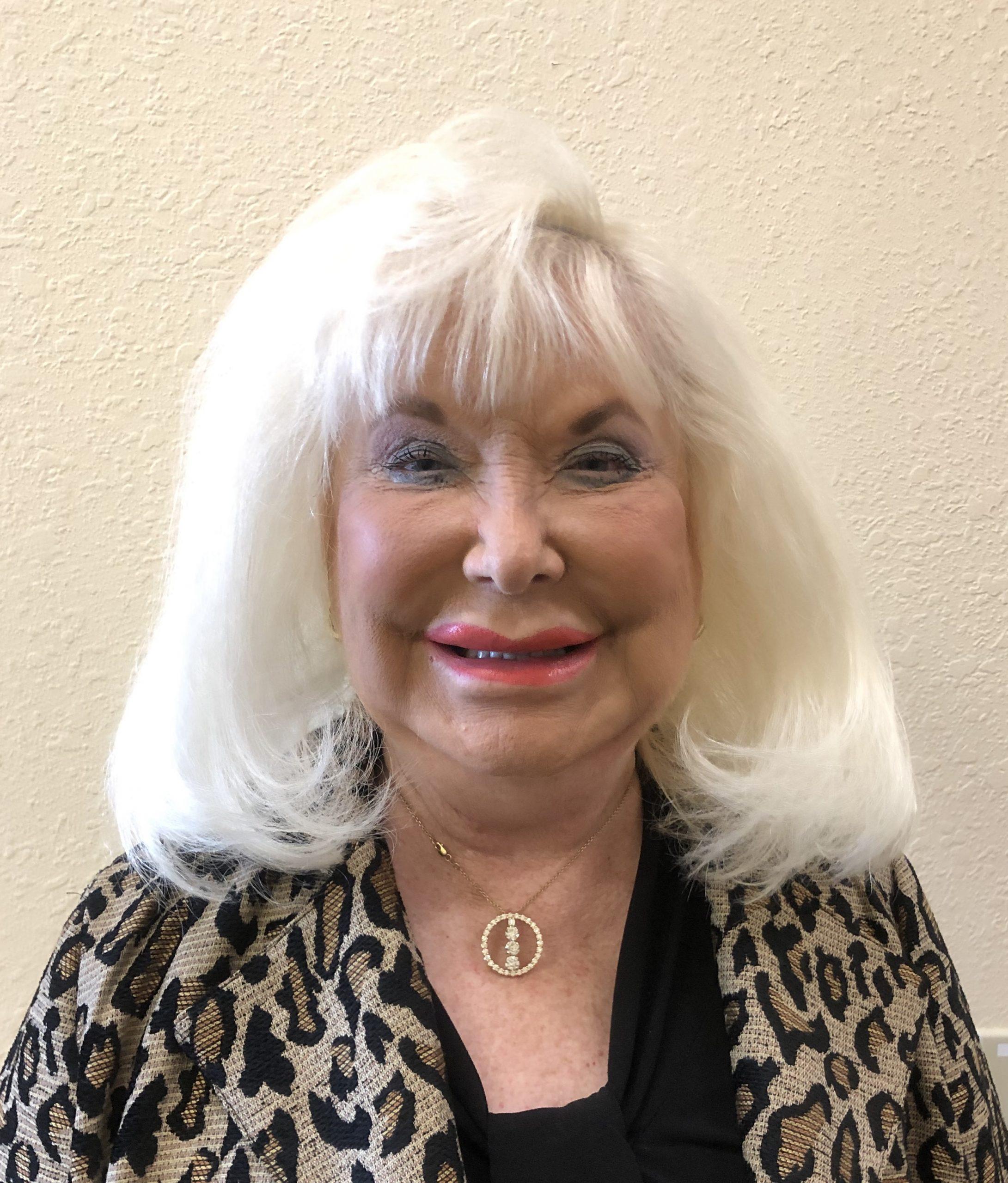 Linda Logan - Greeter - Republican Club of Lakeland